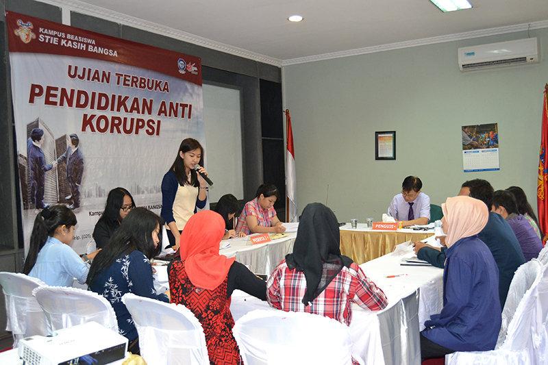 Ujiasn terbuka pendidikan anti korupsi